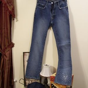 BEBE BOOT CUT DISTRESSED JEANS W STUDS 28